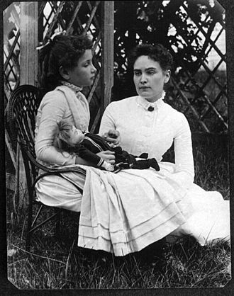 330px-Helen_Keller_with_Anne_Sullivan_in_July_1888