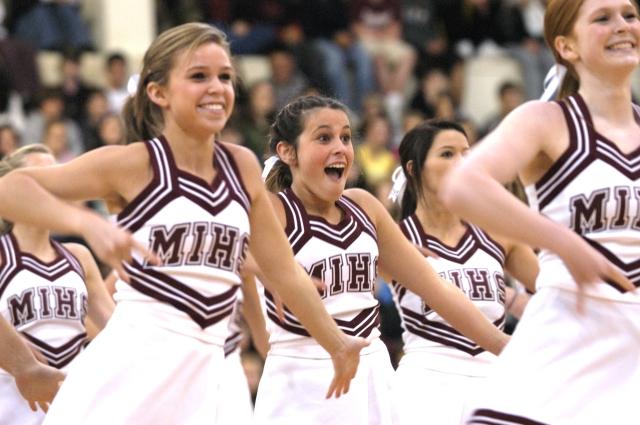 Mercer_Island_High_School_Cheerleaders