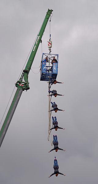 Bristol_MMB_«T1_Bungee_Jumping