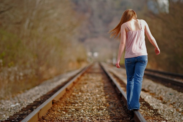 girl-on-tracks