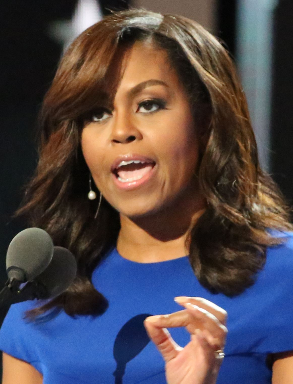michelle_obama_at_the_dnc_july_2016_cropped