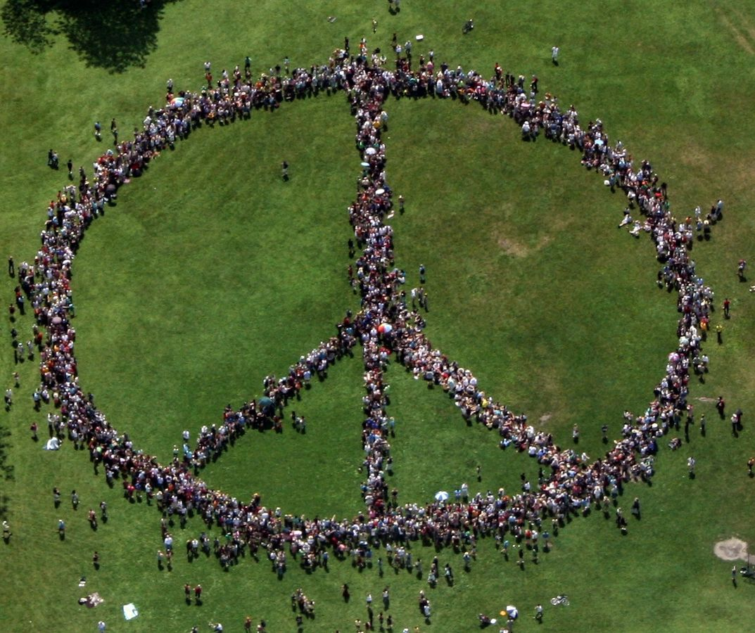 human_peace_sign_crop