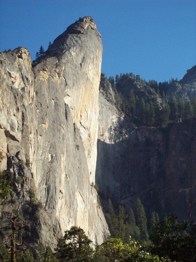 Leaning_Tower,_Yosemite_Valley,_Yosemite,_California.jpg