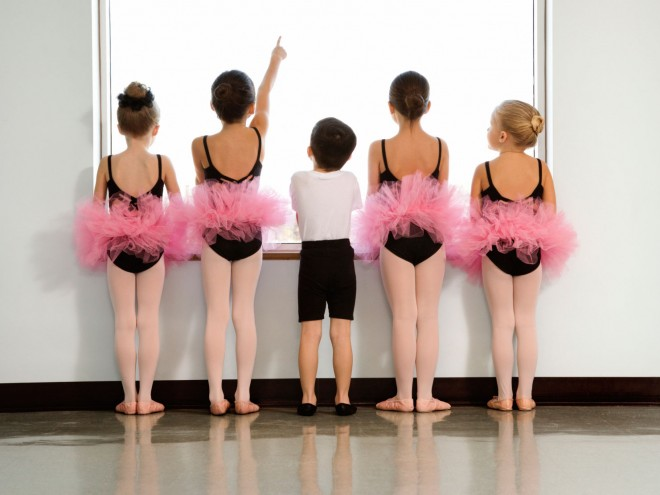 Kids-ballet-class-gender-stereotypes_1000x750-660x495