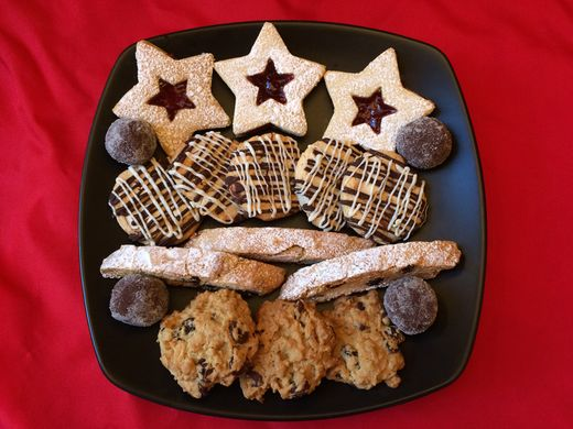 http _ethnojunkie.com_wp-content_uploads_2016_12_Christmas-2016-Cookie-Assortment