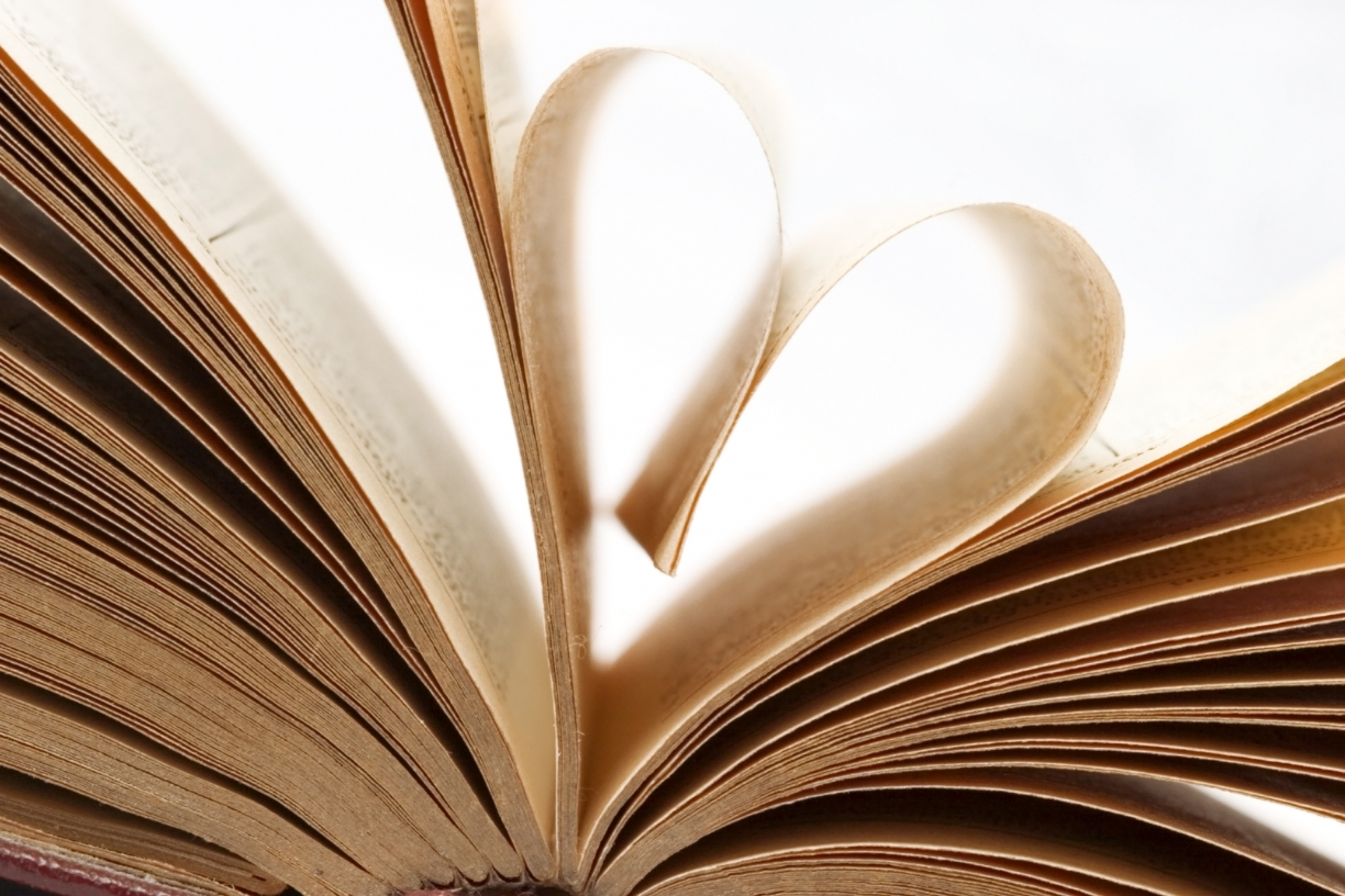 pages_of_a_book_folded_in_to_a_heart_shape