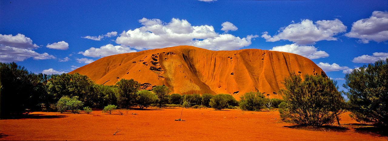 Uluru,_with_clouds