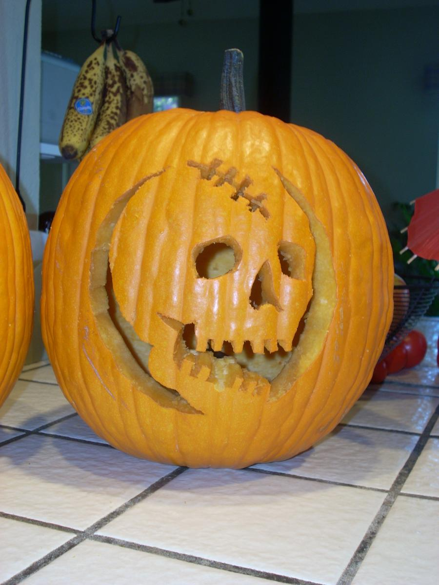 scar_face_carved_pumpkin_by_ikisswolves